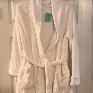 White robe/ bathrobe